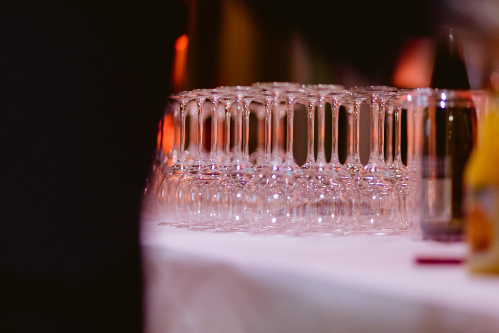 Foto: ...bei leckerem Essen und Wein.